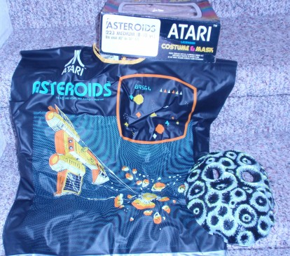 VINTAGE ATARI ASTEROIDS HALLOWEEN COSTUME!!! NEW IN BOX! NEW OLD STOCK_001