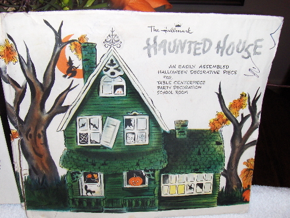 vintage haunted house halloween table centerpiece hallmark decorative paper set - Hallmark Halloween Decorations